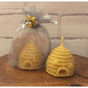 Textured Skep with Moulded Bees Candle
